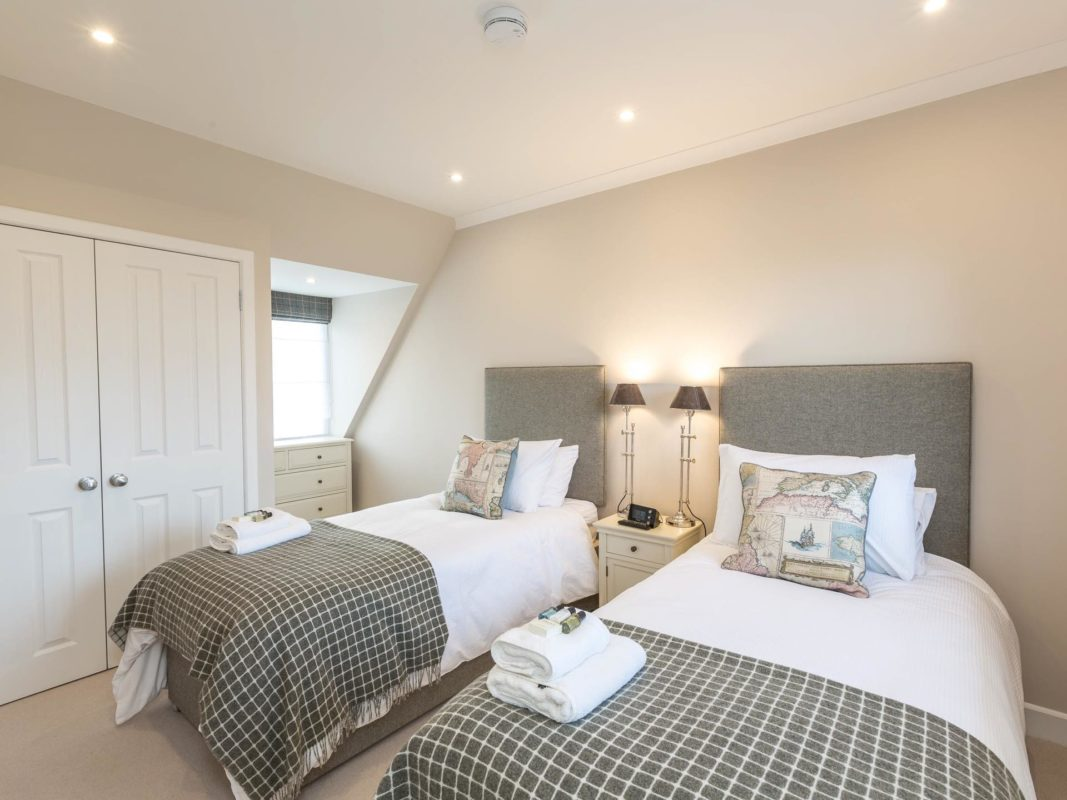 1 Links Crescent Bedroom 1